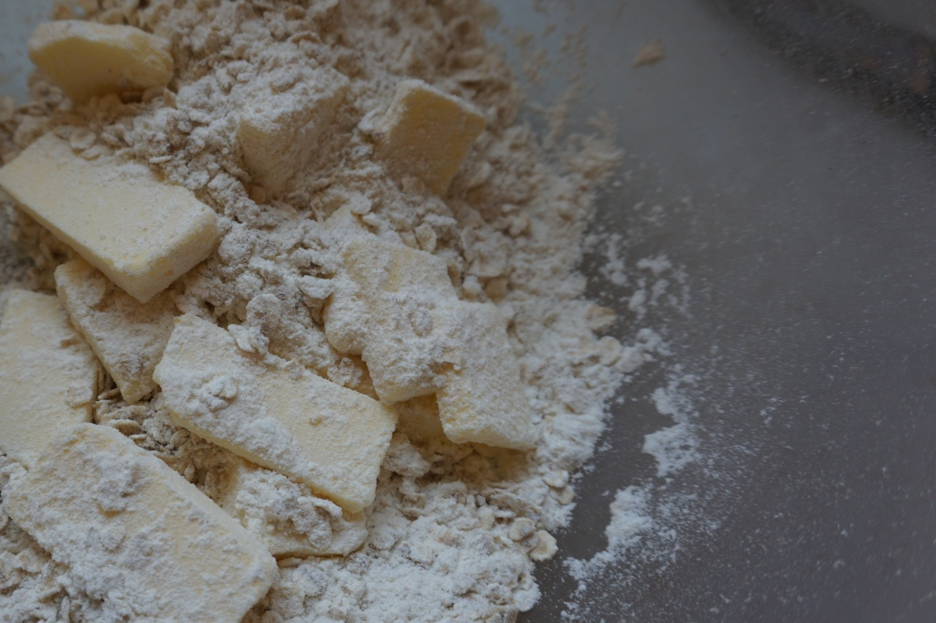 Oats, flour, sugar and butter for the crumble